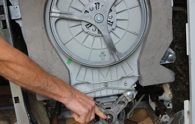 Remove Motor - Convert a broken washing machine to Pedal Power