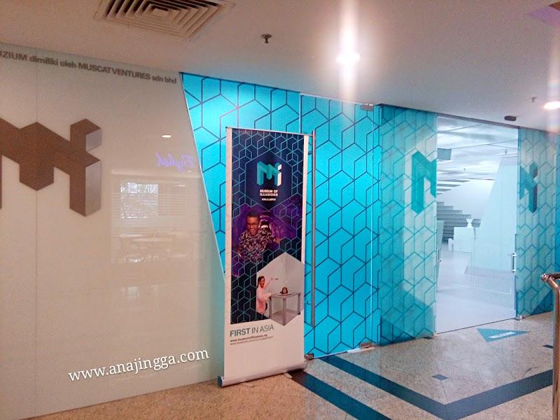 Kegembiraan sekeluarga di Museum of Illusions Kuala Lumpur