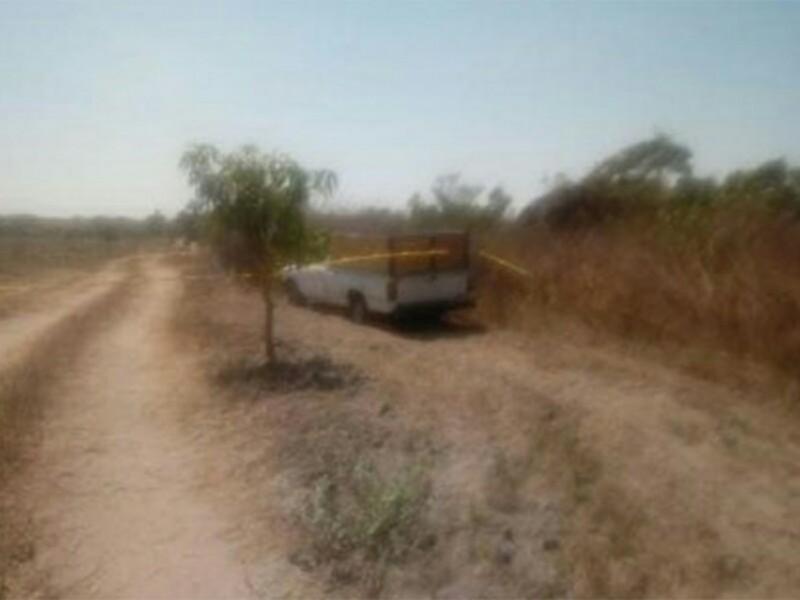 Abandonan ocho ejecutados dentro de una camioneta en Oaxaca