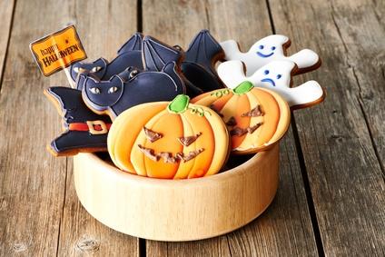 декор блюд на Хэллоуин, рецепты на Хэллоуин, Хэллоуин, праздничные блюда на Хэллоуин, рецепты,,Hallows' Eve, All Saints' Eve, на Хэллоуин, идеи на Хэллоуин, еда на Хэллоуин, печенье на Хэллоуин, печенье, печенье-тыква, печенье с глазурью, к чаю, выпечка, выпечка праздничная, выпечка с глазурью, выпечка на Хэллоуин, тыквы, печенье-монстры,