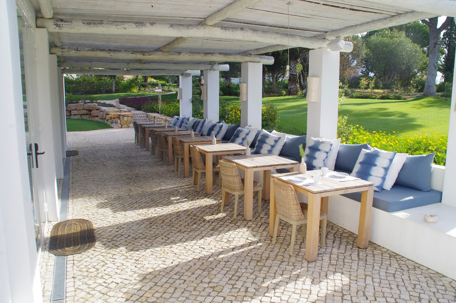 Vila Monte Farm House Outdoor Seating