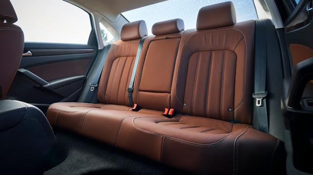 vw-passat-2020-backseats
