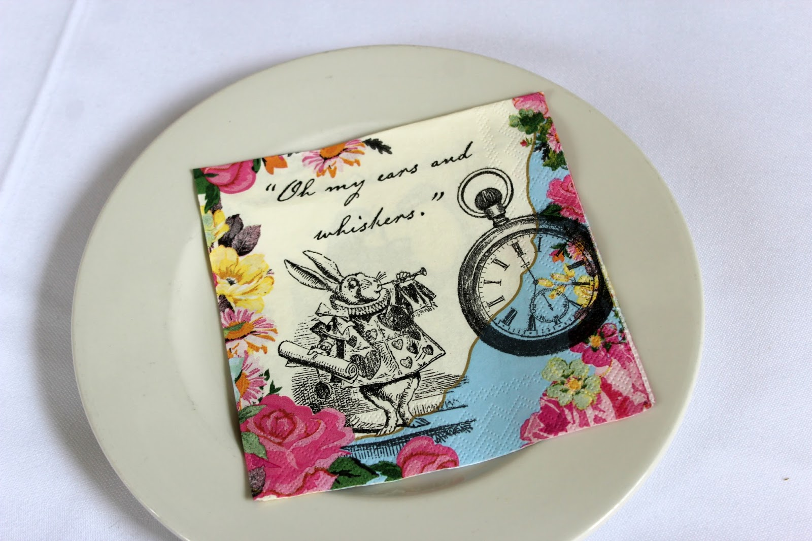 alice-in-wonderland-napkin