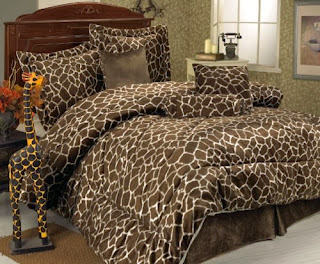7 Piece Queen Giraffe Animal Kingdom Bedding Comforter Set