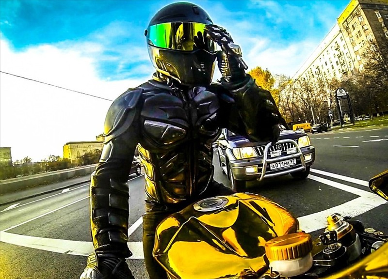 Sportbike Yamaha R6 Gold Chrome Batman 006