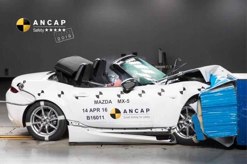 Mazda MX-5 được đánh giá là một trong những dòng xe an toàn nhất hiện nay