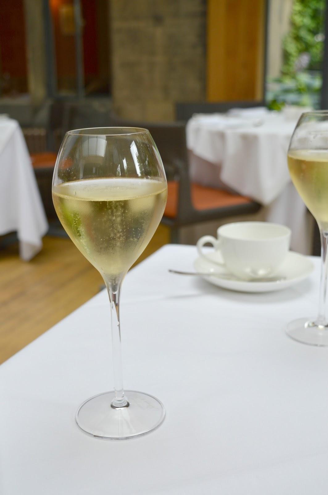 Jesmond Dene House - Champagne