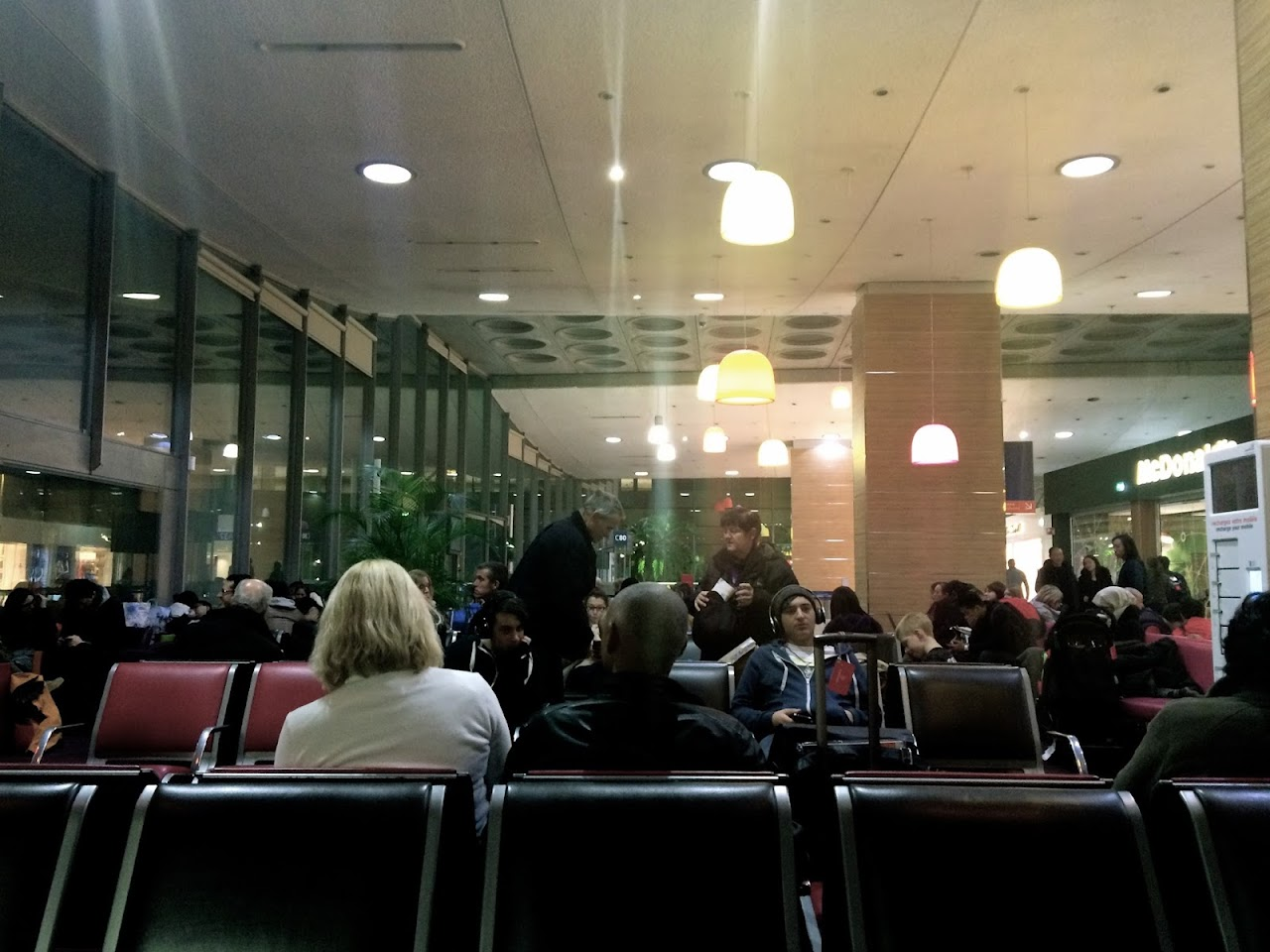 シャルル・ド・ゴール空港の待合室