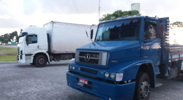 Dois caminhões roubados em Moreno são encontrados em Goiana