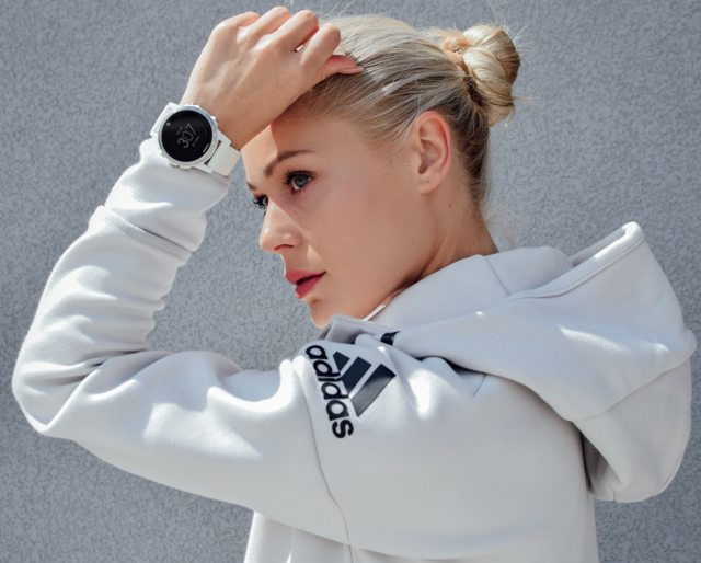 famous fashion brands use instagram advertising fitness clothing line apparel