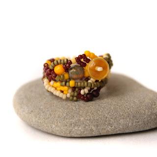 купить женское кольцо из бисера оригинальные кольца на палец фото цена