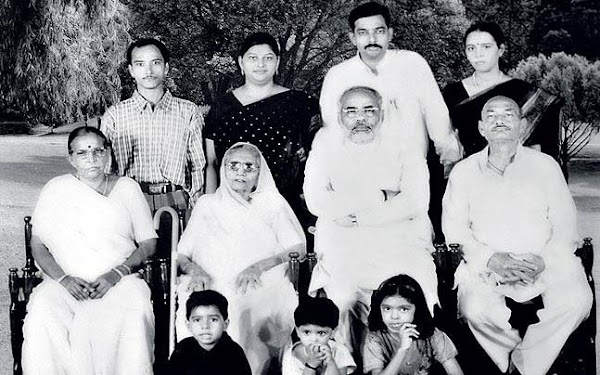 Prime Minister Narendra modi's family-Hindi