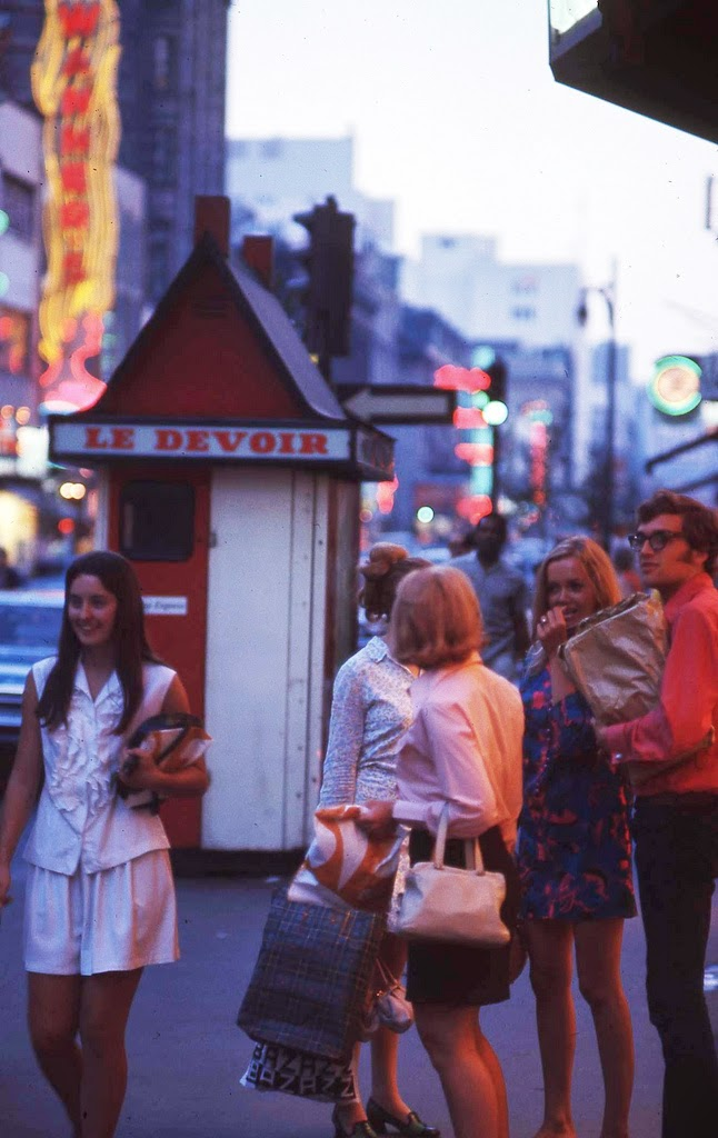 Wonderful Color Photos Of Street Scenes Of Montreal