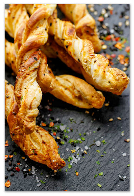 grissini-pasta-sfoglia-ricetta-facile
