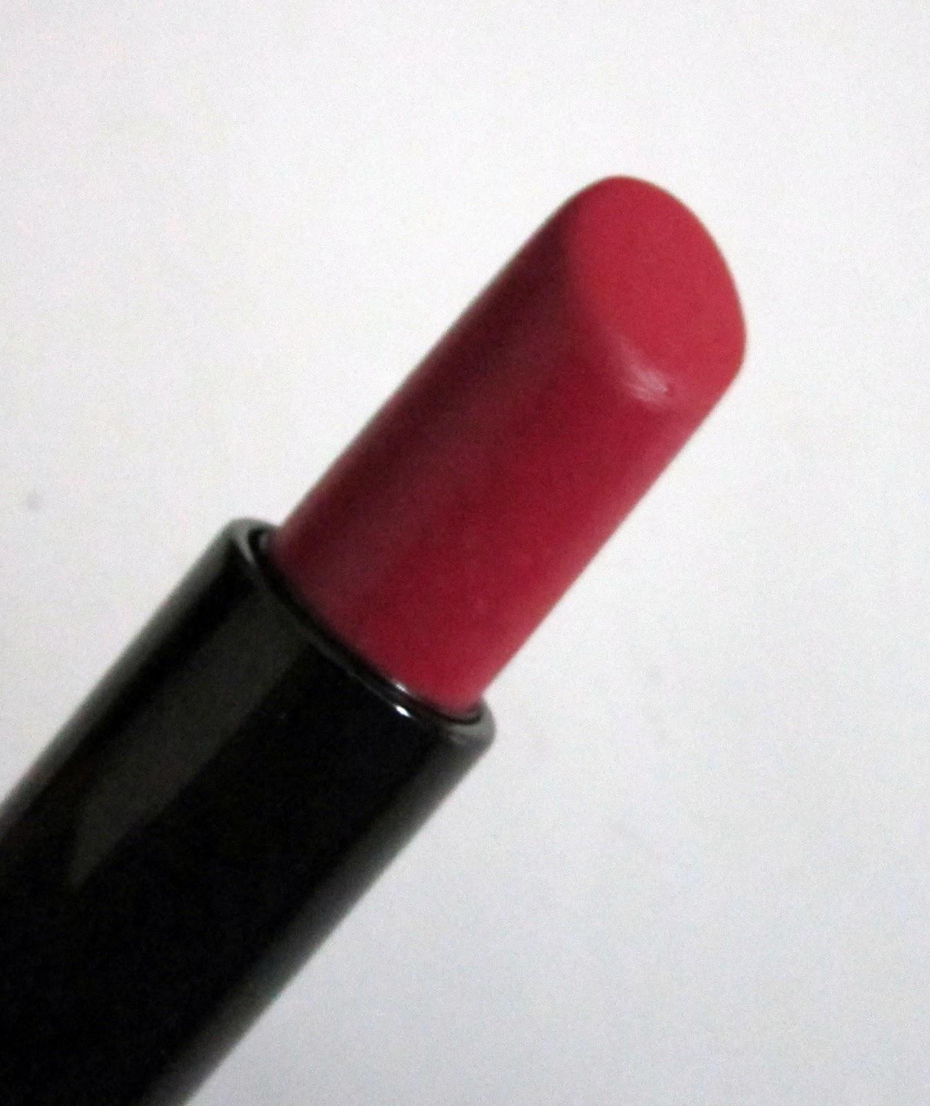 Indian Beauty Blog Red Hot Deborah Milano Lipstick Rosetto Atomic