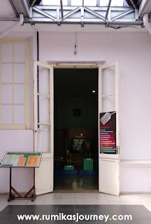 pintu masuk museum zoologi bogor