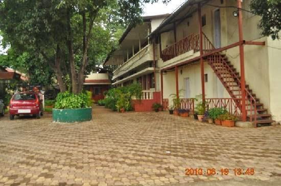 Raj Kiran Hotel - Lonavala, Mumbai