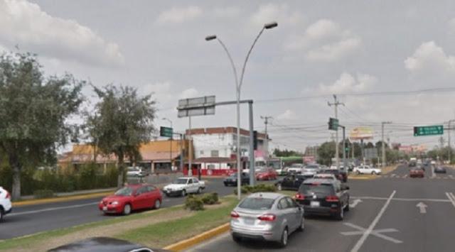 Tráfico de autos en Metepec