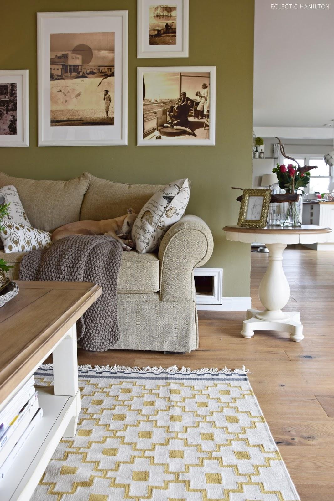 mein wohnzimmer neu gestaltet eclectic hamilton. Black Bedroom Furniture Sets. Home Design Ideas