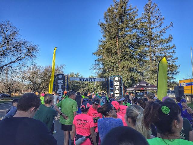 Davis Lucky Run Start line