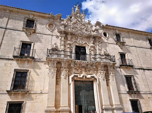 Monasterio de Uclés, fachada sur puerta churrigueresca