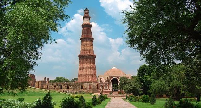 Image of qutub minar,