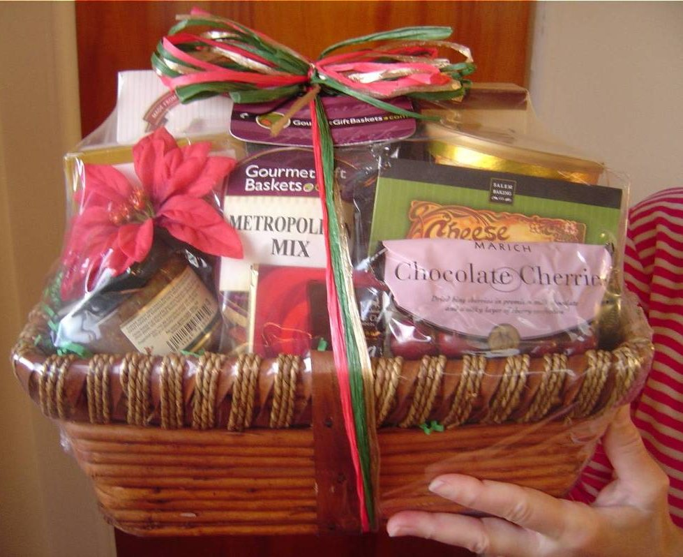 Gourmet Gift Baskets Classic Christmas Basket