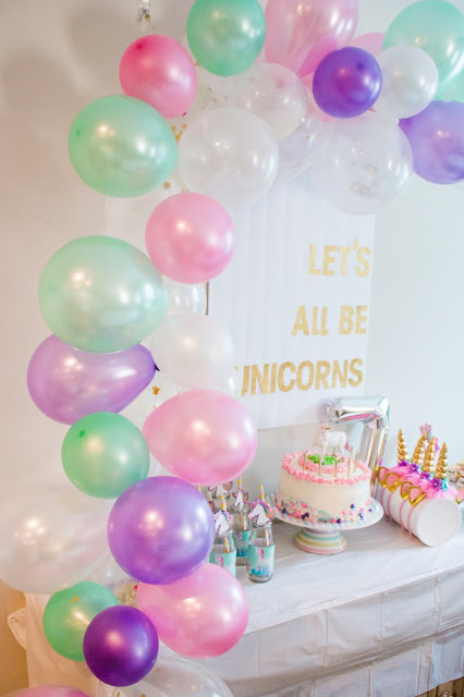 Balloon banner at a Unicorn Party