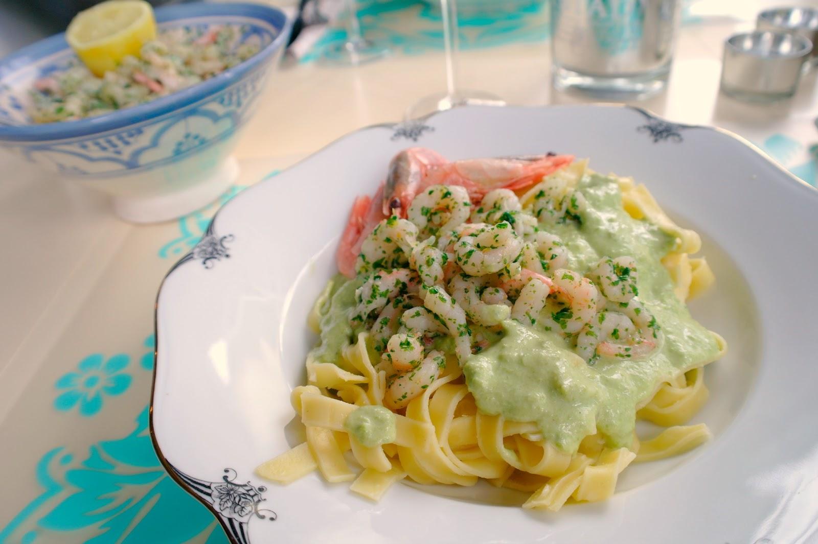 pasta med räkor grädde