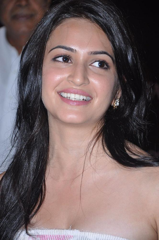 Kriti Kharbanda Cute Photos In Pink Dress