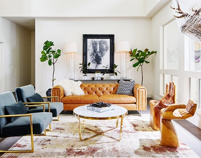 A designer's chic and glamorous Dallas home!