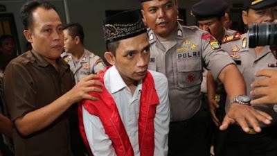 Condenado à morte líder de gangue indonésio que violou e matou jovem de 14 anos