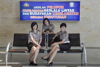 Foto Polisi Cantik