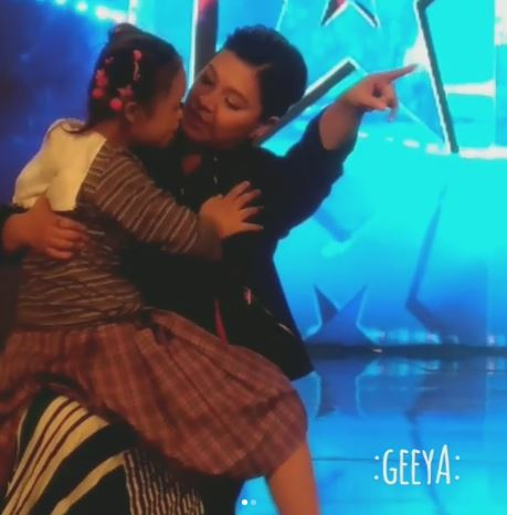A Heart-melting Moment That Angel Locsin Had With A Little Angel On Stage