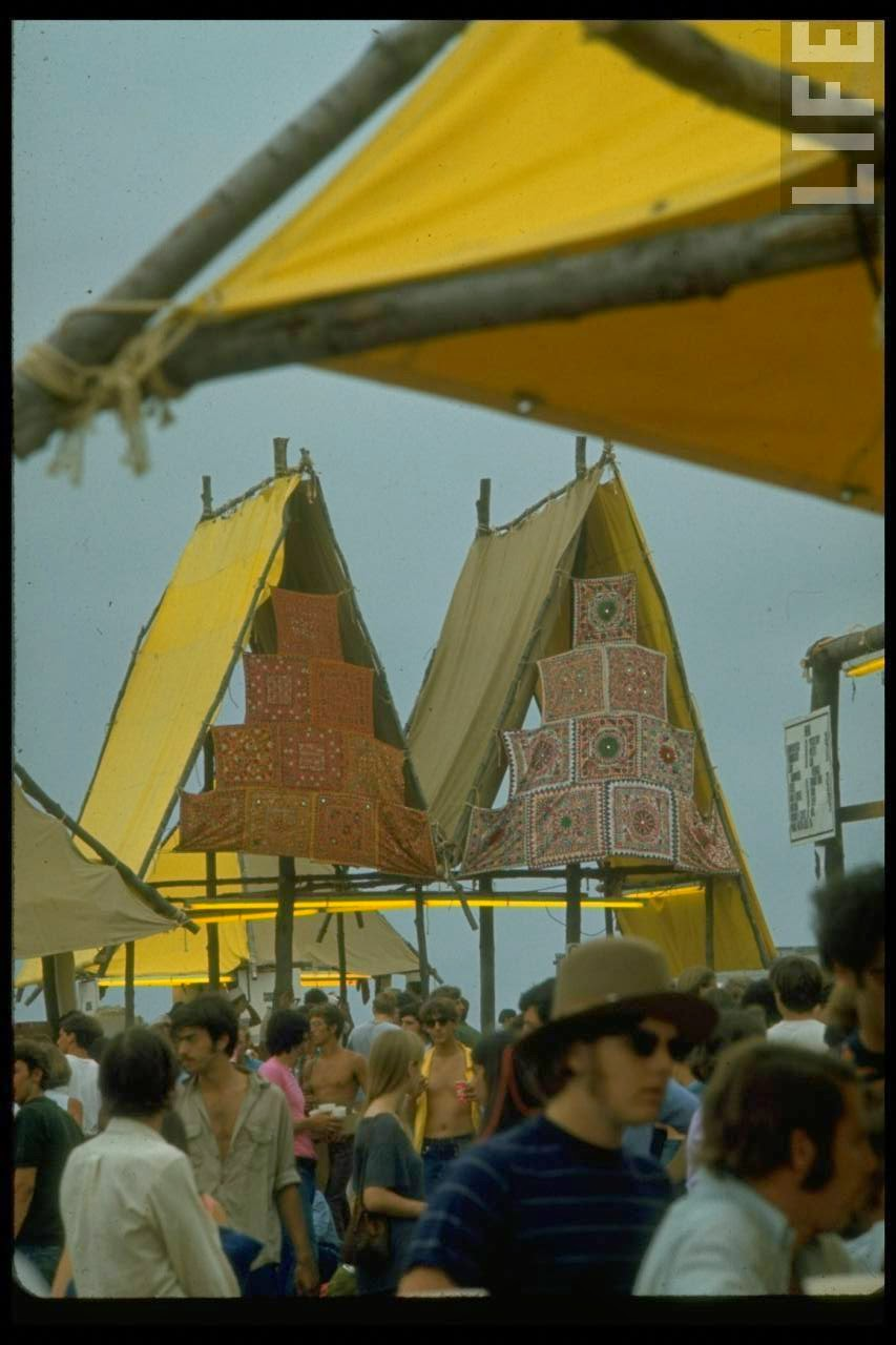 40 Rare And Fascinating Color Photographs Of The Woodstock -1945