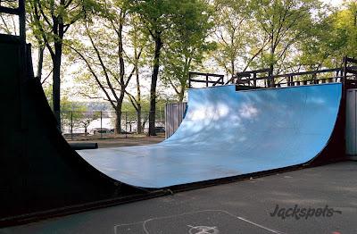 Rampe skatepark riverside
