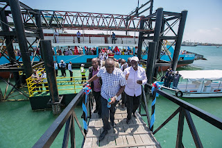 President Kenyatta and DP William Ruto launching Mtongwe channel. 13/03/2017. PHOTO | Courtesy PSCU
