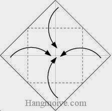 Bước 2: Gấp bốn góc của tờ giấy vào trong.