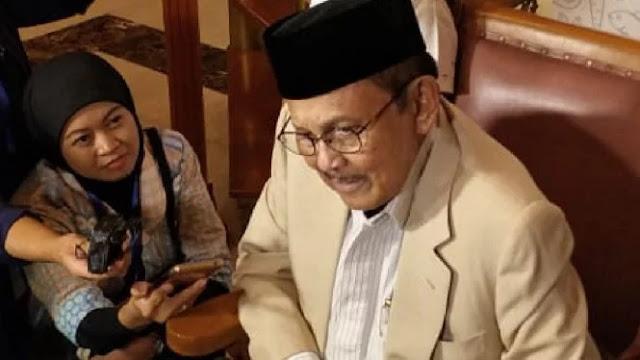 Habibie: Siapapun yang Dipilih, Harus Memimpin 100 Persen Indonesia