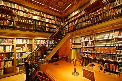 Viết về Giá trị của thư viện - bài viết tiểu luận tiếng anh