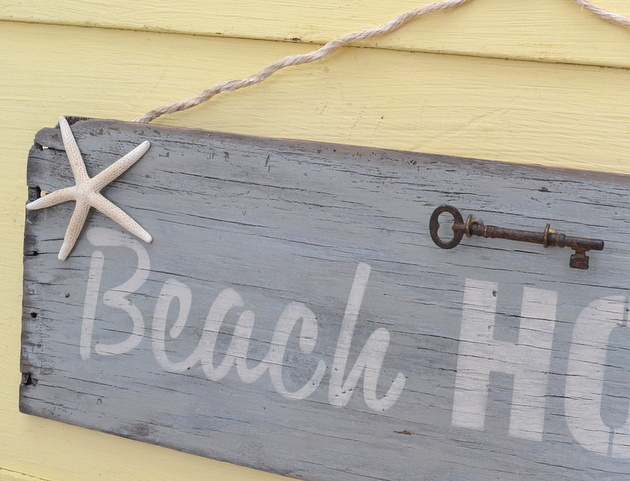 faux driftwood Beach House sign with starfish and skeleton key