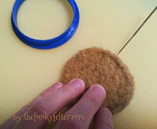 needle felt owl instructions using cookie cutters and wool roving for beginners