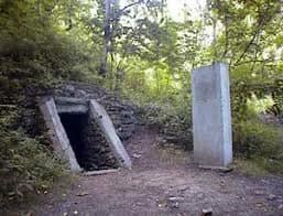 Kelpius Cave