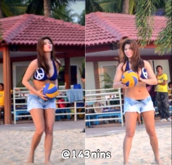 Angel Locsin Looks Hot As She Plays Beach Volleyball!