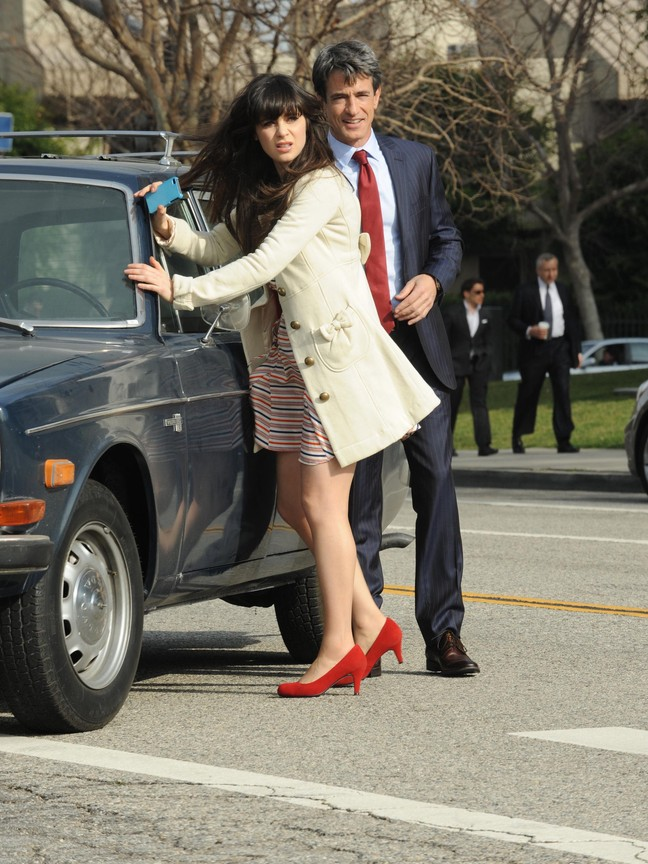 New Girl - Season 1 Episode 17: Fancyman - Part 1