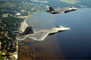 F-22 dan F-35