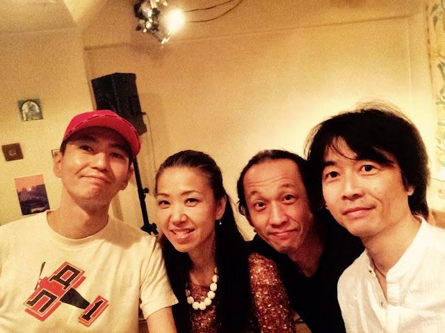 ウタウタ:松本泰子(歌)喜多直毅(ヴァイオリン)長谷川友二(ギター)和田啓(パーカッション)
