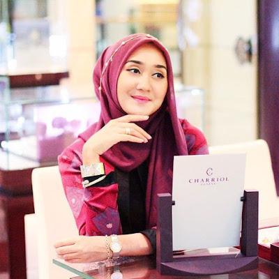 Tips Memakai Hijab untuk Pipi Tembem dari Dian Pelangi