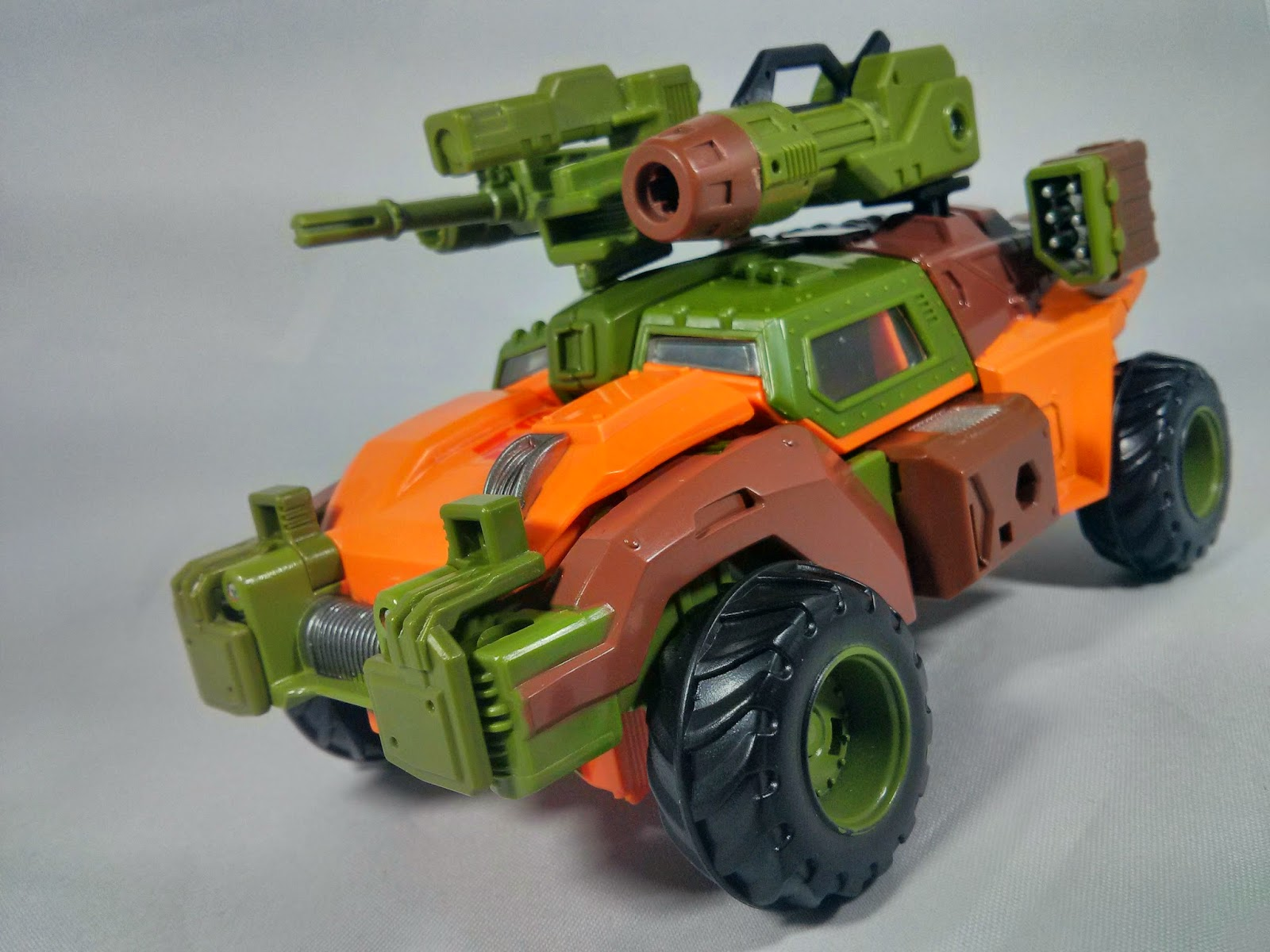 transformers generations roadbuster guns idw