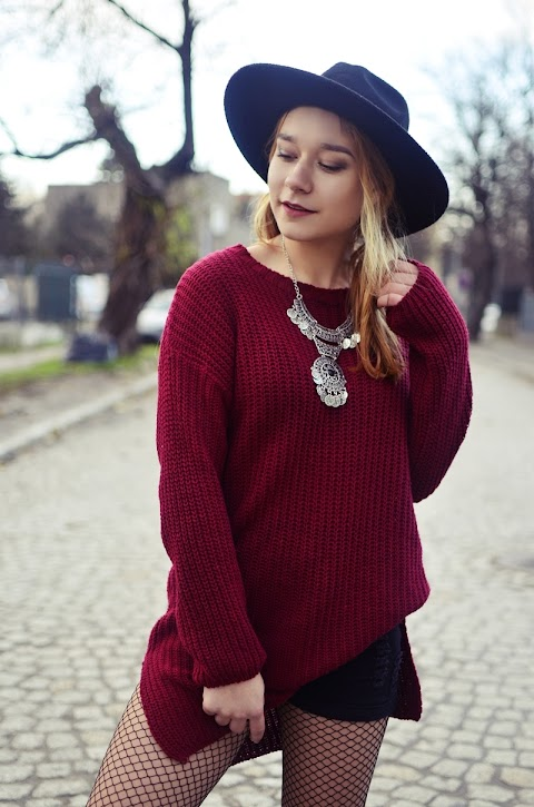 FISHNET TIGHTS | SWEATER DRESS | BOHO ACCESORIES